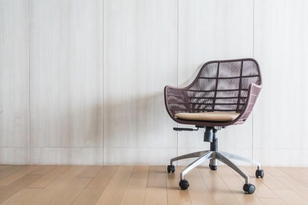 Stol za pisarno mora biti udoben in prijetno mehek