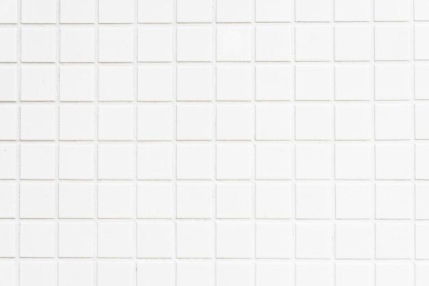 Obsežna prenova kopalnice vključuje polaganje keramičnih ploščic