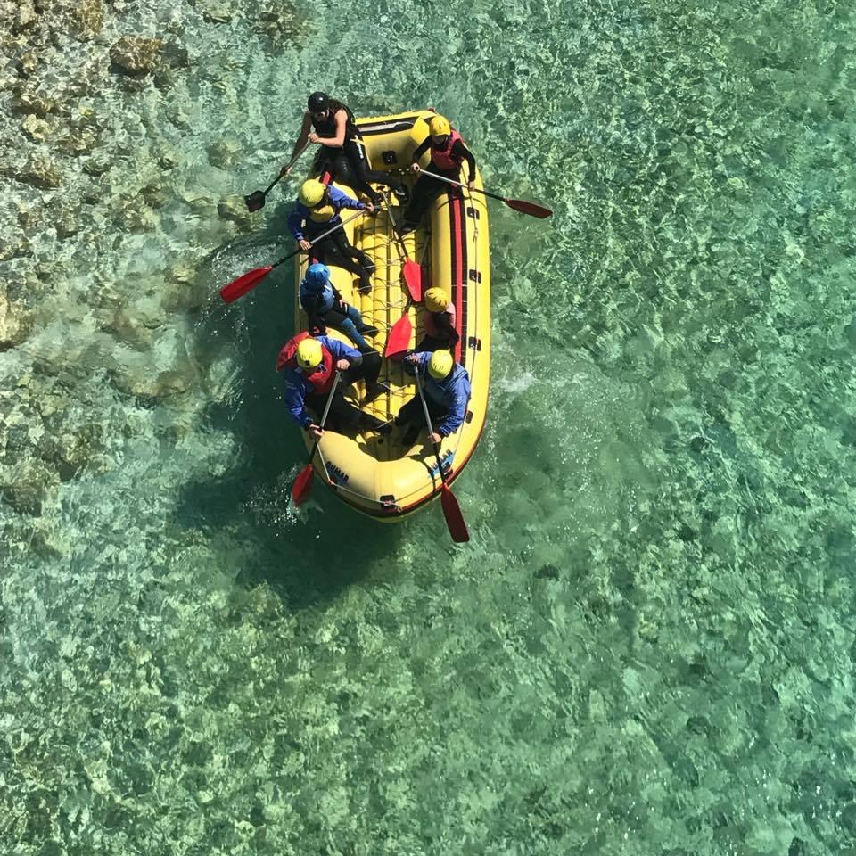 Soča rafting vas vabi v objem velikega adrenalinskega doživetja