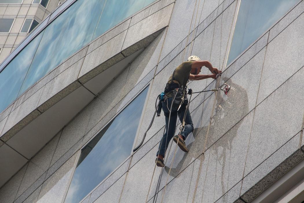 Pranje fasade s posebnimi stroji