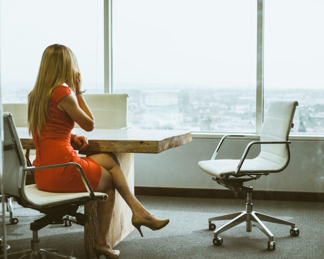 Stoli pisarniški za poslovne in domače potrebe