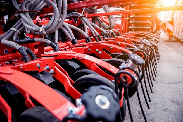Rezervni deli za traktorje priljubljenih znamk